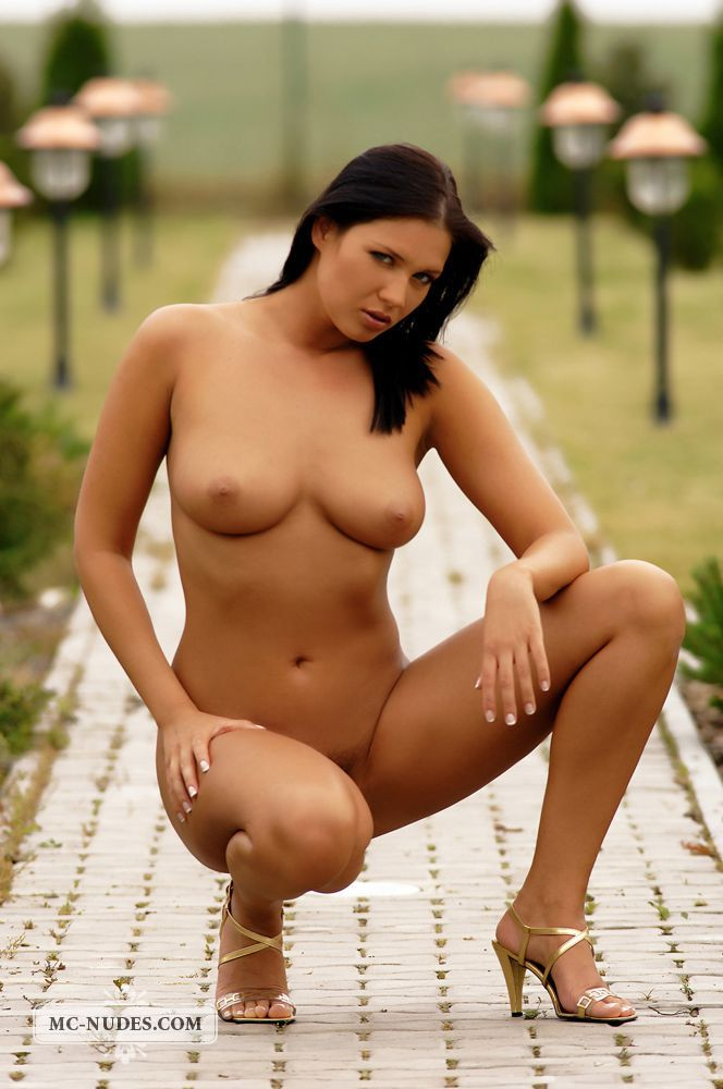 Sexiest nude chick in the world