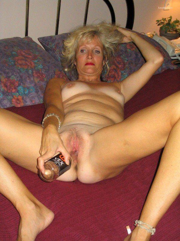 Women masturbating in private