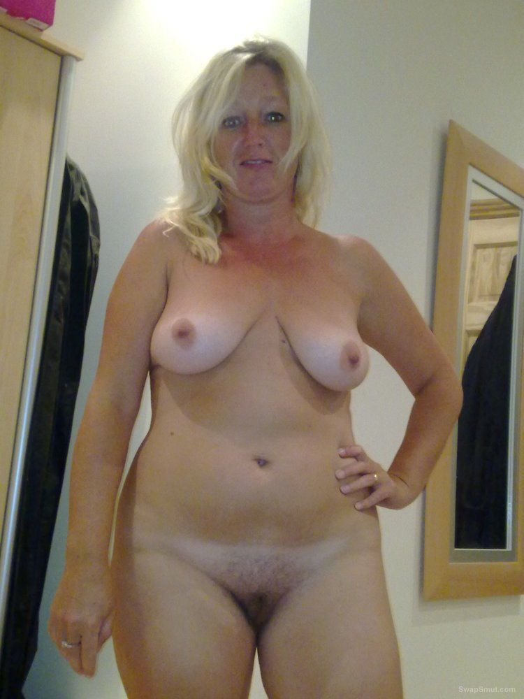 The expert, Pictures of my wife in the nude only really