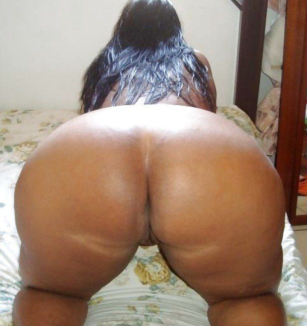 Butt women big Naked brazilian