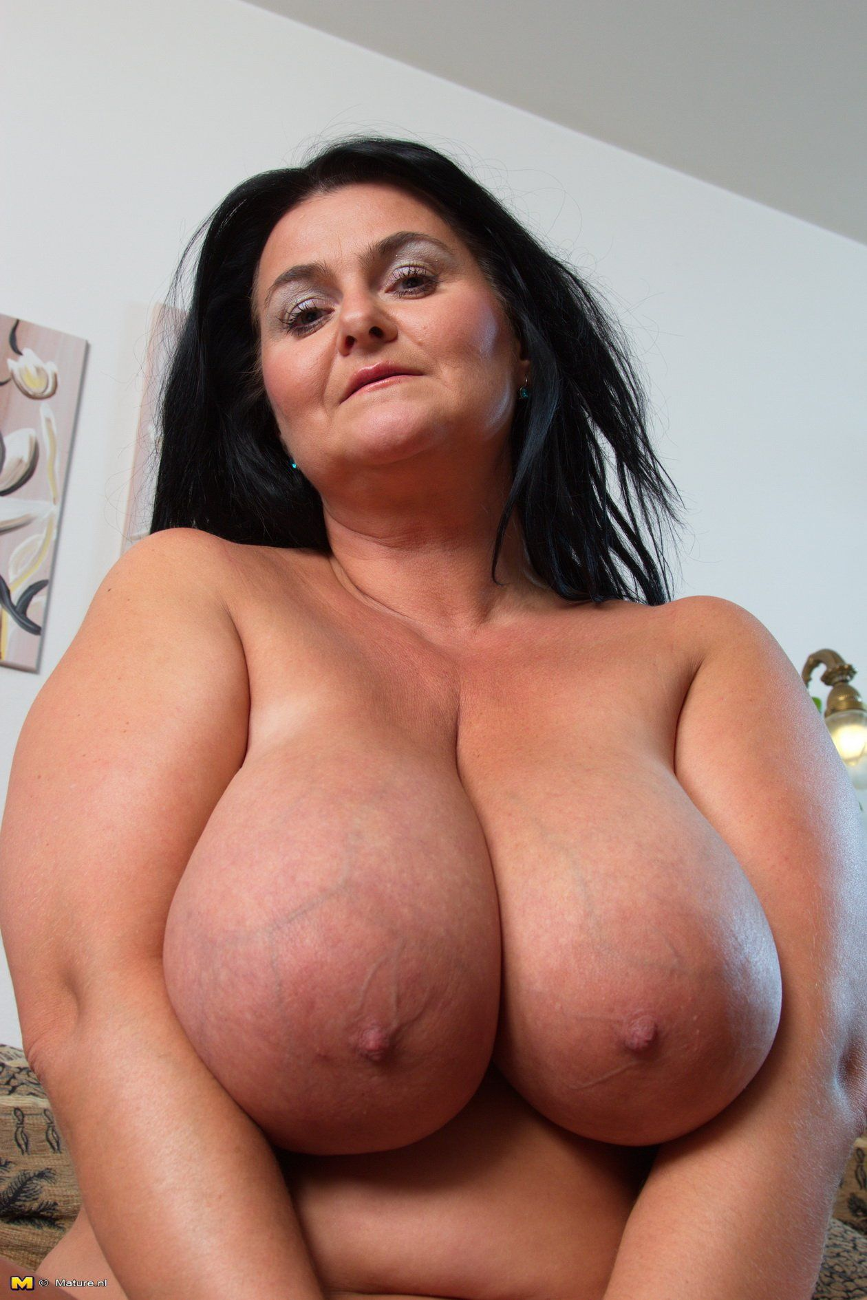Mature natural heavy breasts