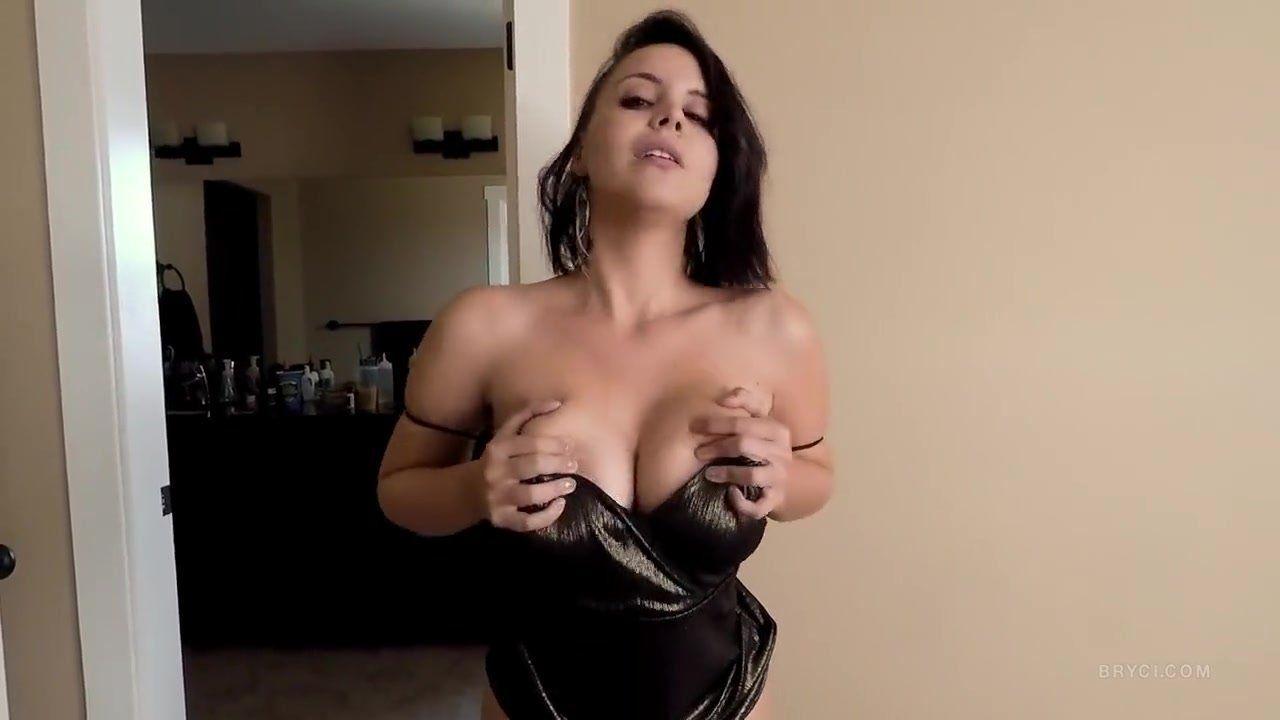 Cara brett striptease and bj (huuu)