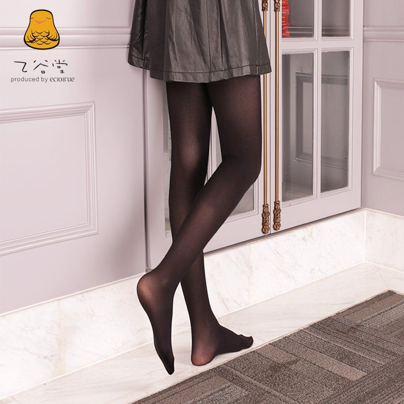 Ezzie reccomend Pantyhose for fall
