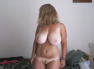Wife Showing Her Big Tits Xxx Sex Images