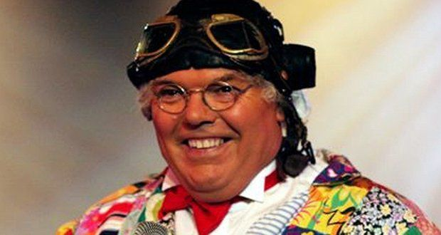 Bomber reccomend Feature roy chubby brown
