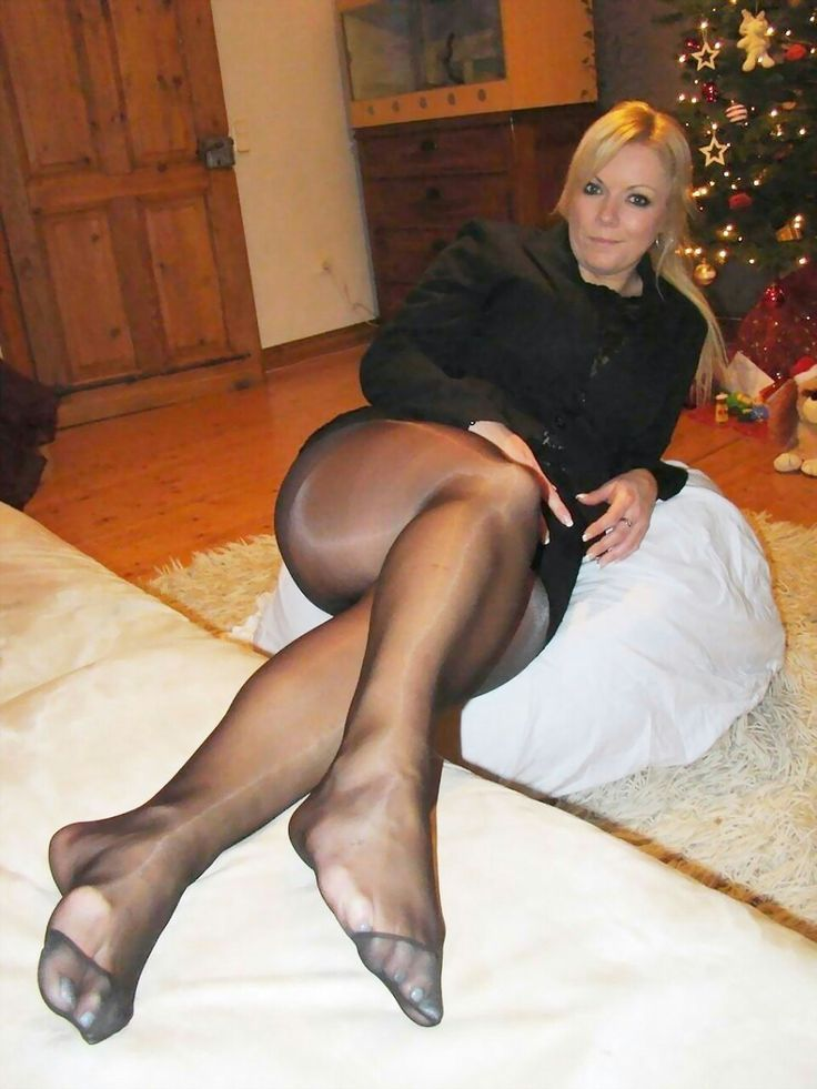 Sweeper reccomend Pantyhose gallery top