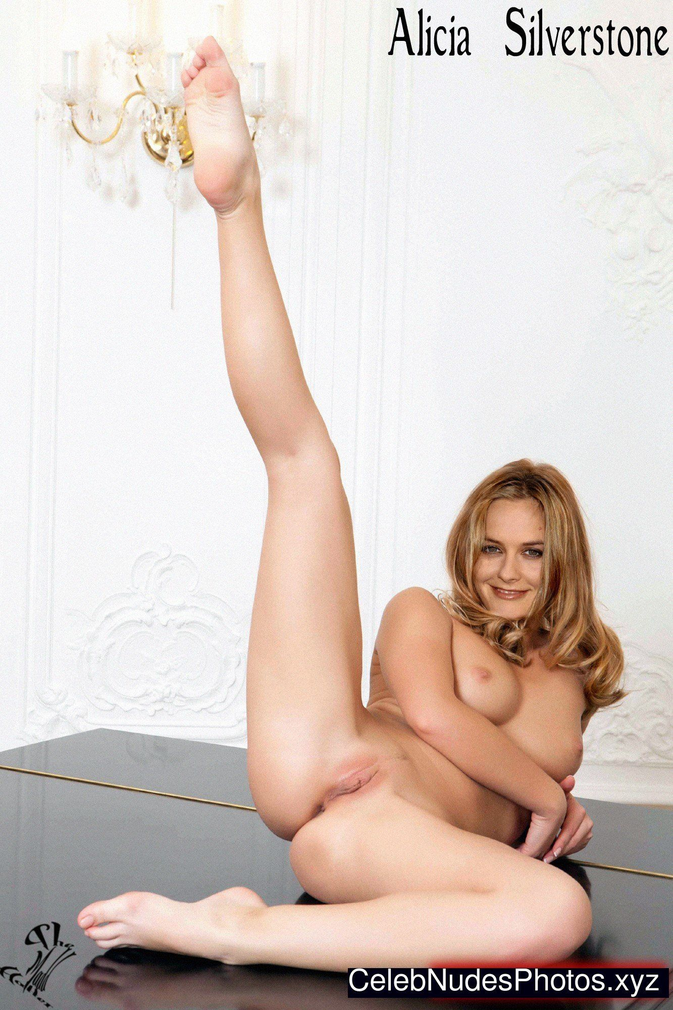 Pictures of alicia silverstone fully naked