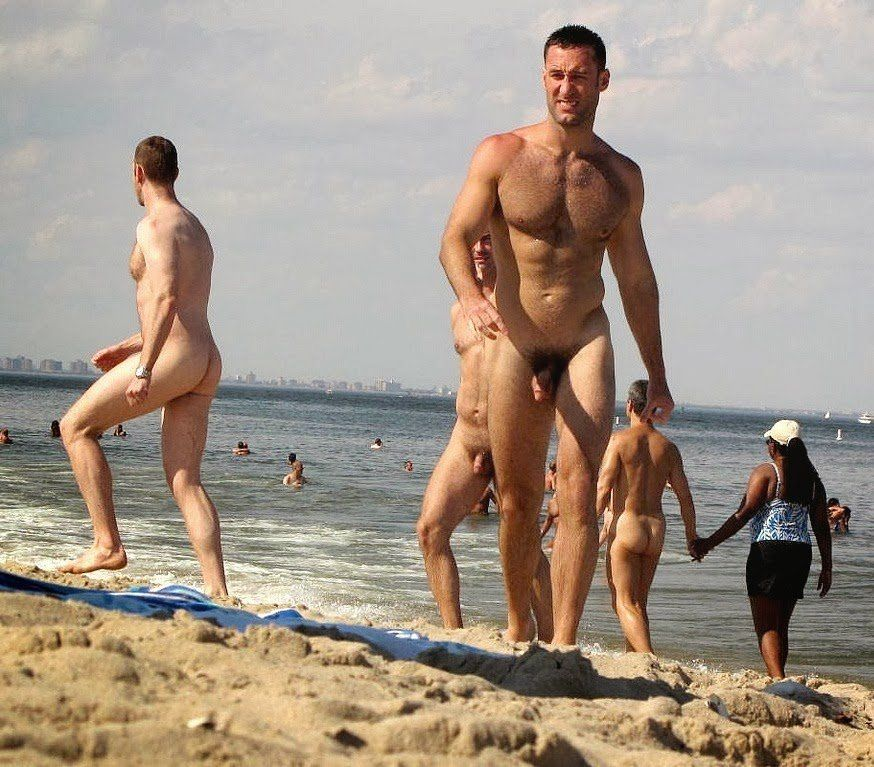 nude beach men Spanish