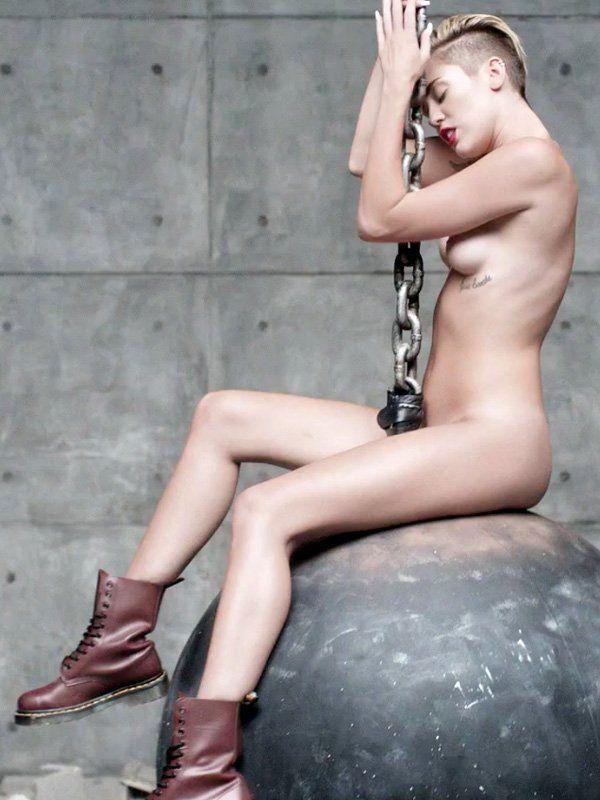 Naked bikini sarah peachez