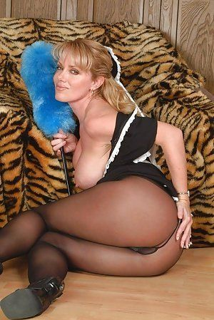 Pantyhose milf pictures