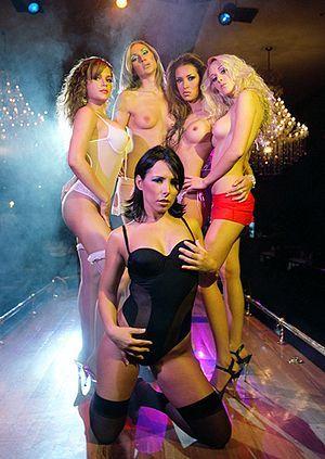 Long stiptease island strip club