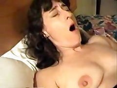 Wife masturbates to real orgasm