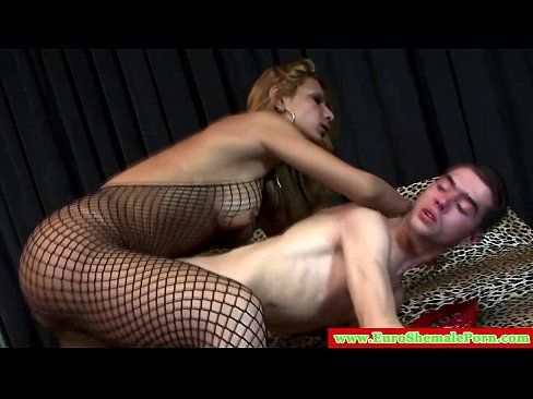 Guy fucks a blonde tranny and a c