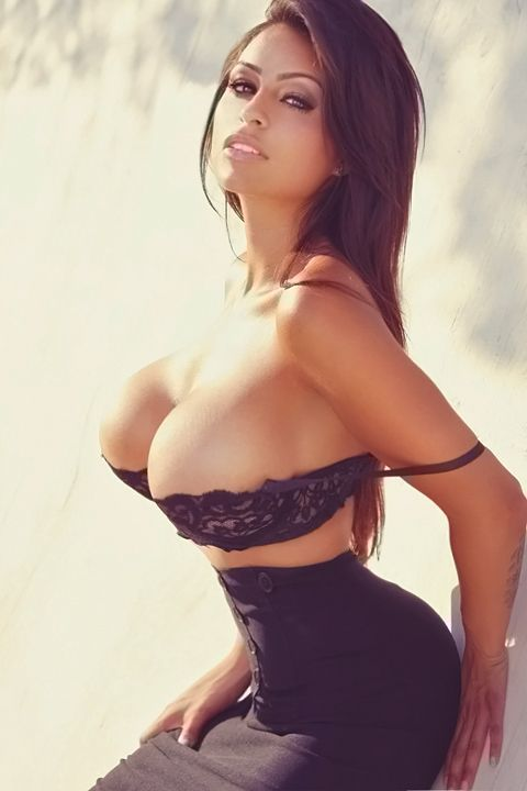 Sexy big titted models naked