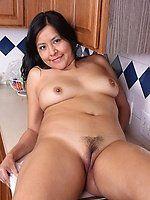 Airmail reccomend Latina milf puss pics