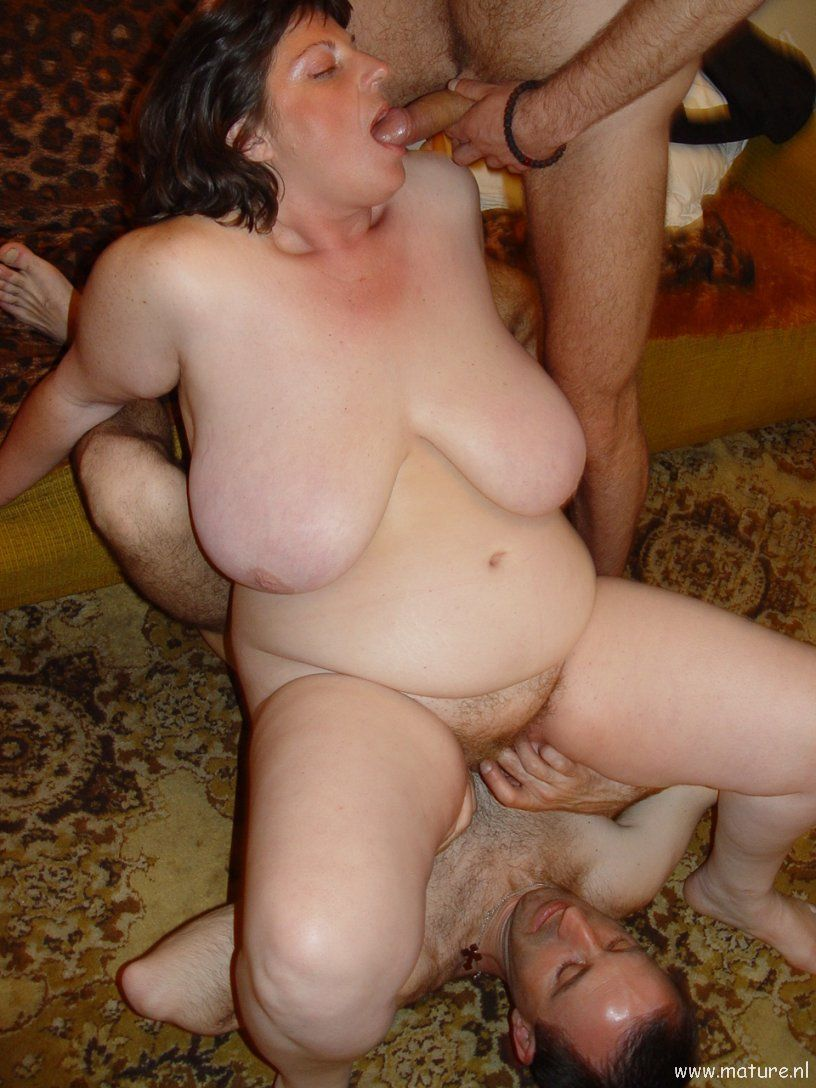 Mature amateur wives pissing