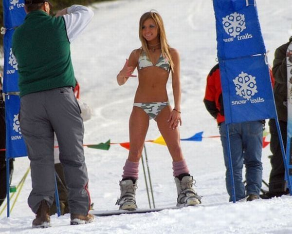 Flea F. reccomend Bikini ski girls