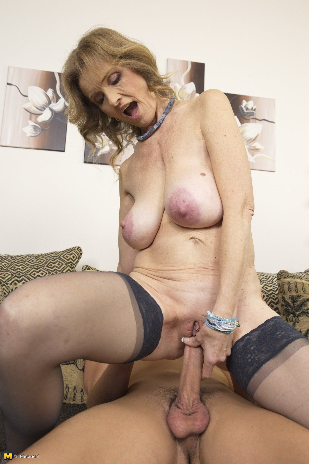 mature-grannies-free-movies