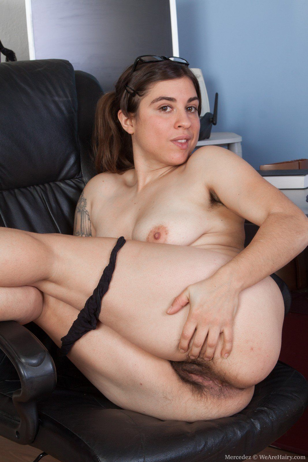 Naked hairy women in the office. Cumming in asshole. CM3D2 DEMO. Hentai  porno tube