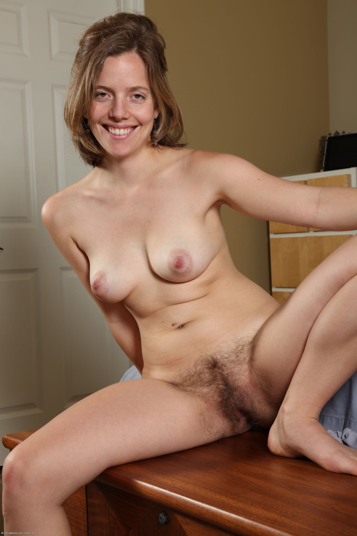 Photo woman hermaphrodite sucks her dick