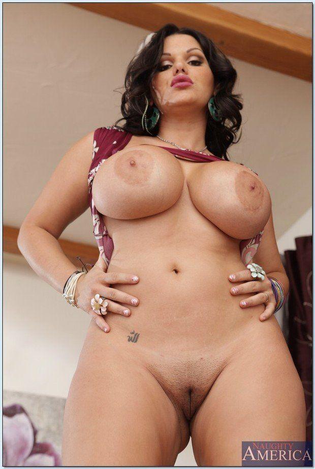 Latina milf puss pics