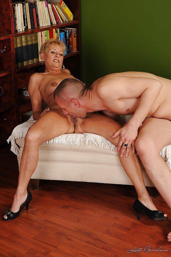 Mature grandma licks pussy
