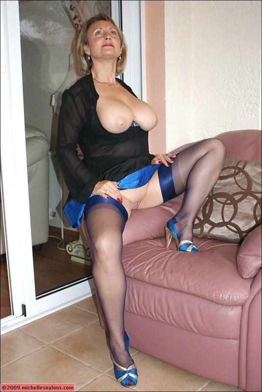 Mature women nylon pictures